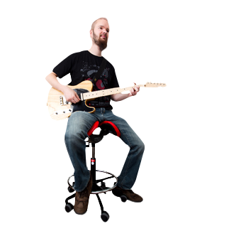 Salli Saddle Chair for a guitarist